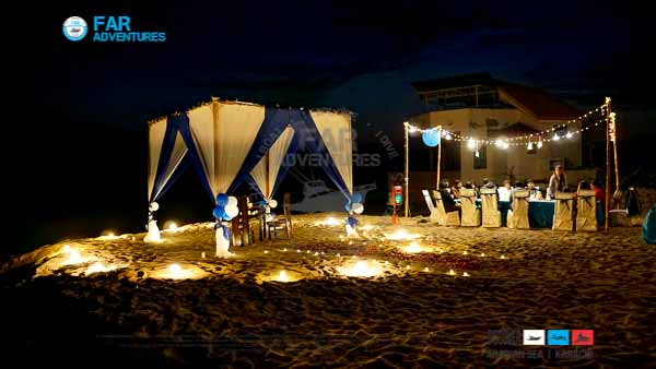 Couples Dinner at Beach Ideas